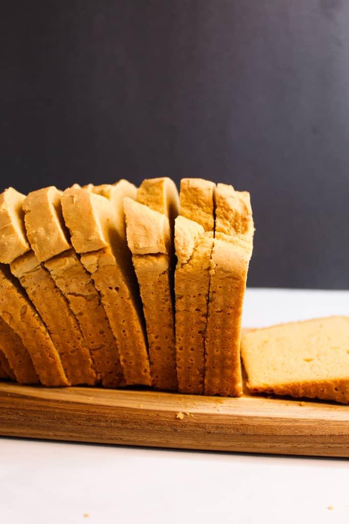 gluten free sandwich bread on a cutting board