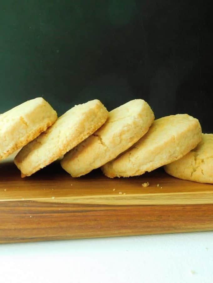 4 Ingredient Gluten Free Bisquick Biscuits: Foolproof and Ready in 25 Minutes!