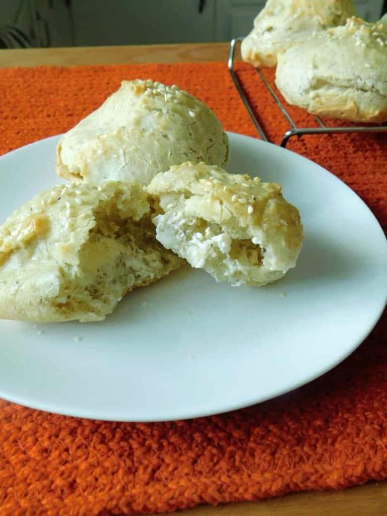 gluten free sesameseed rolls ready to eat