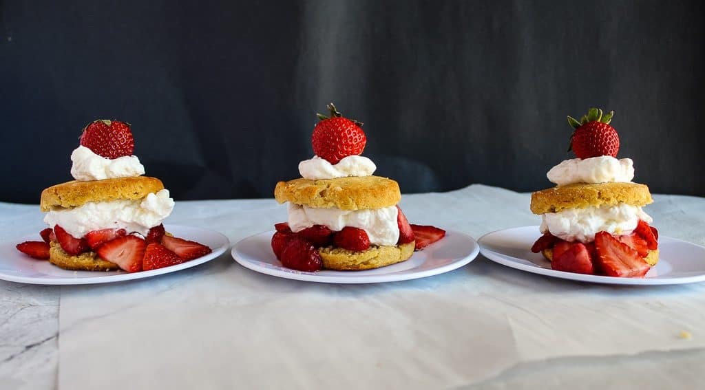 Gluten free strawberry shortcakes: Ready to Eat!