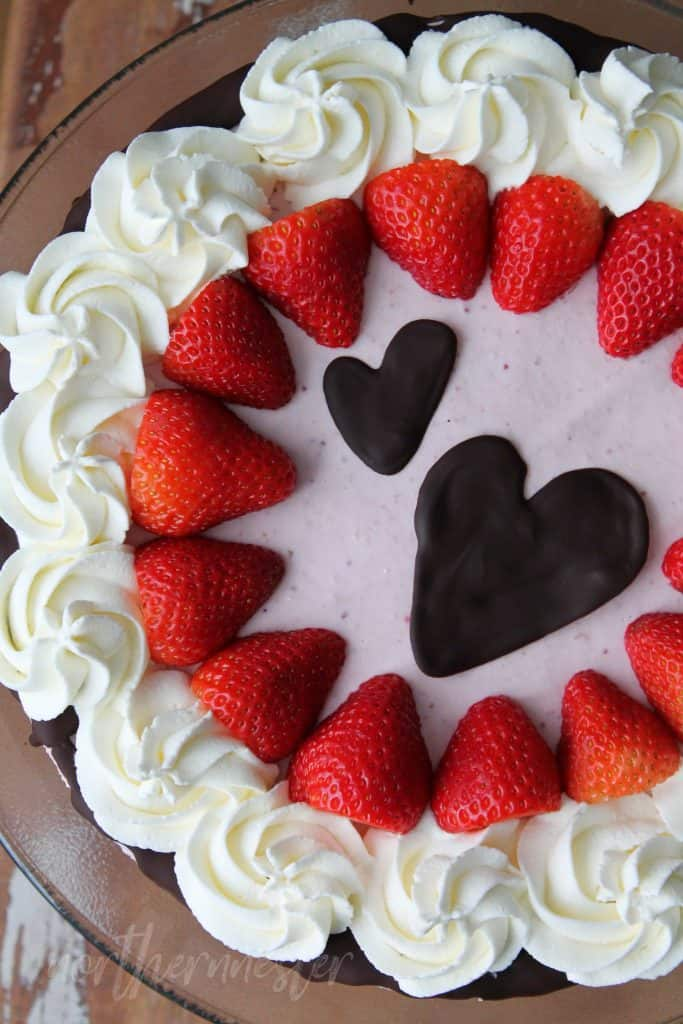 low carb strawberry cheesecake on a serving plate