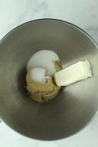 gluten free blondie sugars to mix