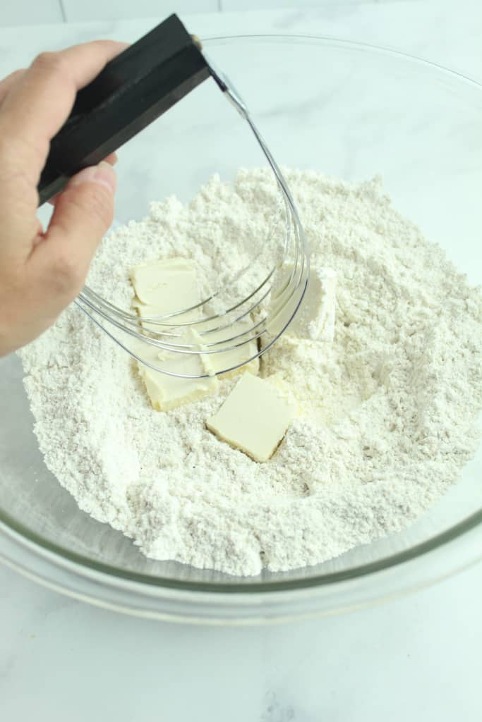tool for cutting in the butter