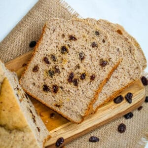 slice of bread with raisins